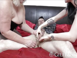 BBW granny and friend in hot threesome