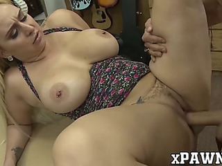 Honey with curvy body bangs wildly with sex crazed broker