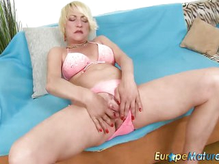 A Mature Blonde Ladies Solo Sex Toys Fun