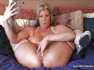 HOTTEST MATURE MOM JOI Dirty Talk and SQUIRTING