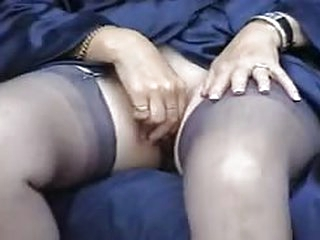 porno tube Suzie Mature Solo in Stockings